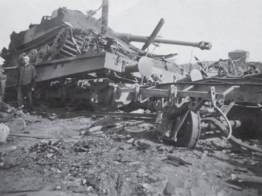 Grossdeuchland Tiger1 destroyed.
