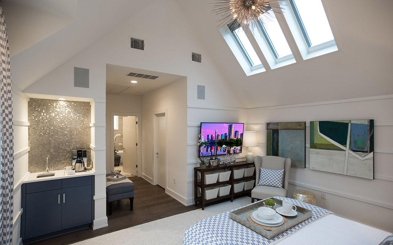 soaring 12 foot high ceilings - HD1280×800