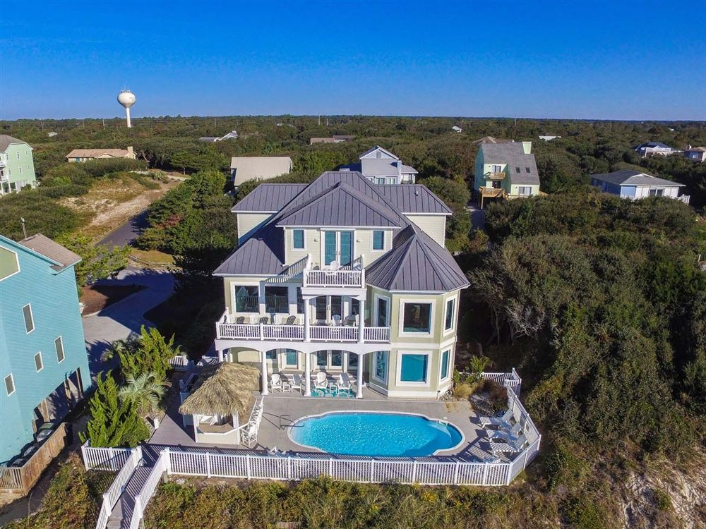 3 palms is a 8 bedroom 9 bathroom oceanfront vacation