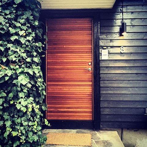 Lovely wooden front door in fsc certified teak from Bovalls DörrbyggeriSweden | For more & Lovely wooden front door in fsc certified teak from Bovalls ...