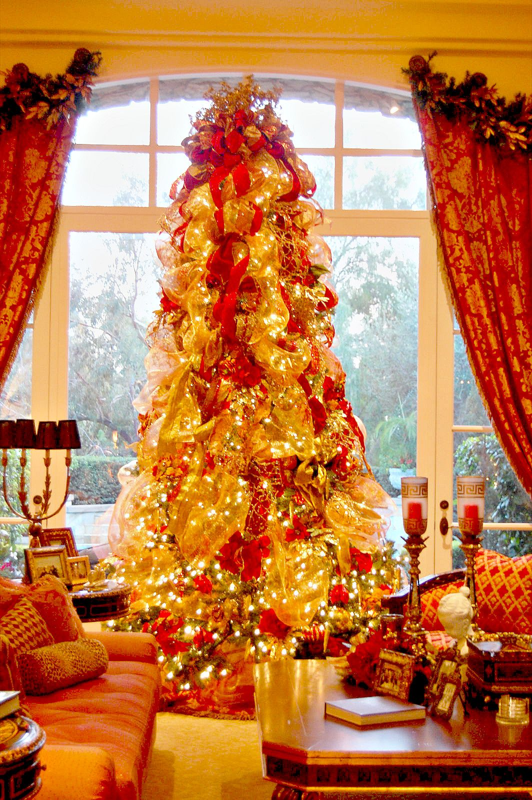 14 Ft Christmas Tree Part - 33: Www.leannemichael.com Red U0026 Gold Italian Oplulance: 14ft Christmas Tree  Dressed With