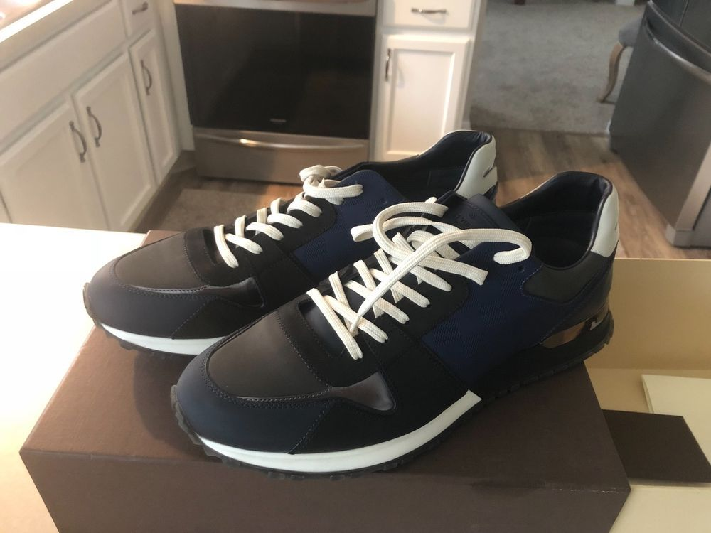 91410d8372ce Louis Vuitton shoes - Mens Sneakers - Size 10 - Never been worn.  fashion
