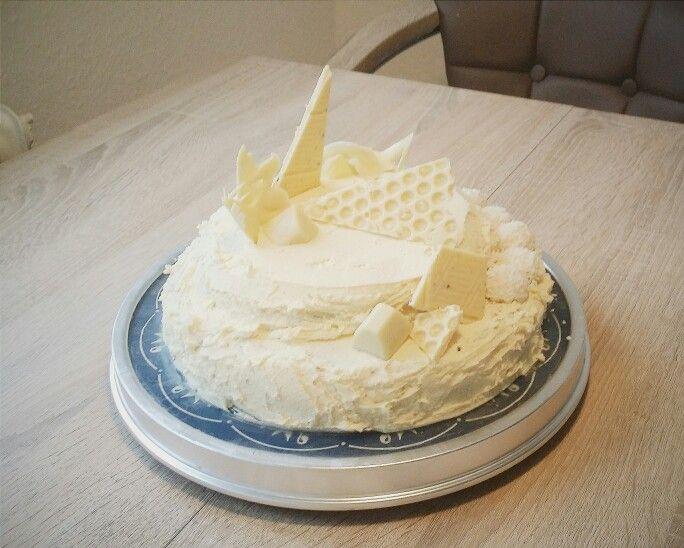 My turn on MyCupcakeAddiction's white chocolate cake. :)