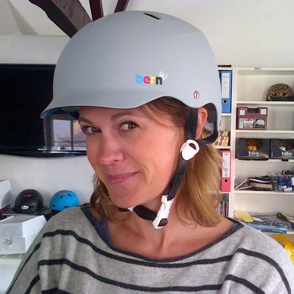 bern lenox ladies bike helmet matte grey womens bike helmets pinterest. Black Bedroom Furniture Sets. Home Design Ideas