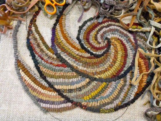 Hook A Spiral Chair Pad With Me Part 3 Rug Hooking
