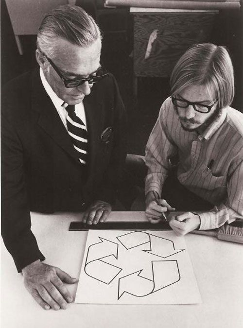 By Max Liboiron The Universal Recycling Symbol Was Designed In 1970 For A Competition During America S First Earth Recycle Logo Recycle Symbol Contest Design