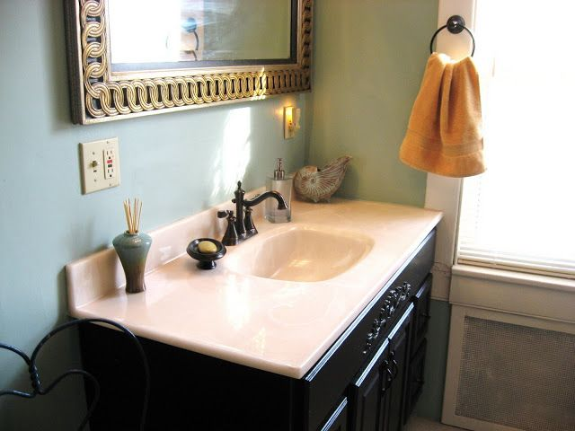 That Old House: Benjamin Moore Peeps Into Our Bathroom!