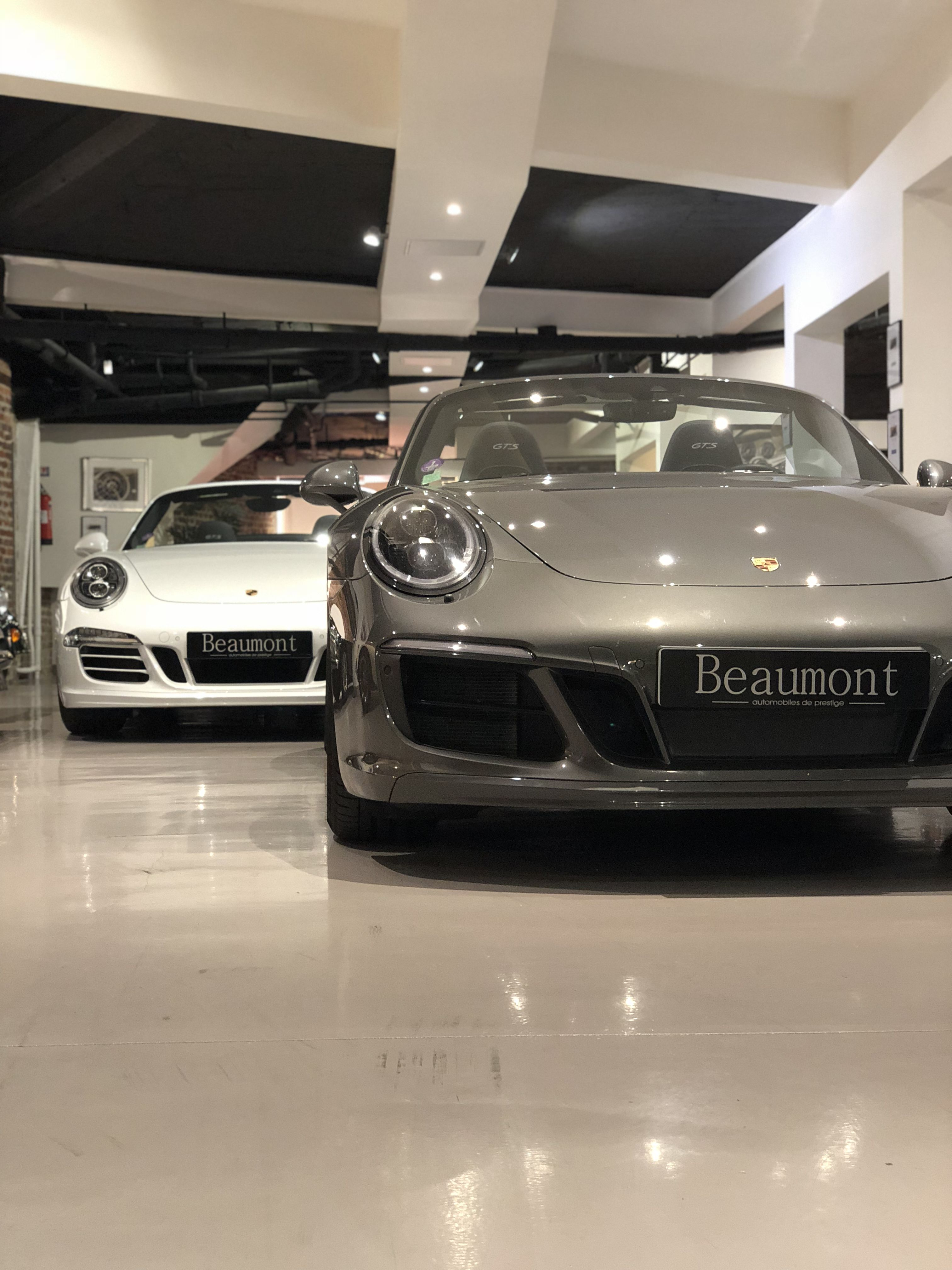 Porsche 991 Cabriolet Gts Automobile Voiture Ile De France