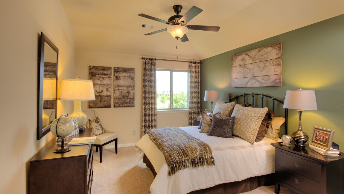 Forest Green Guest Bedroom Forest And Rustic Decor Homedesign