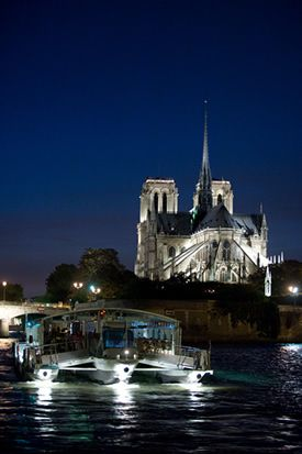 Our new Paris dinner cruise along the Seine!