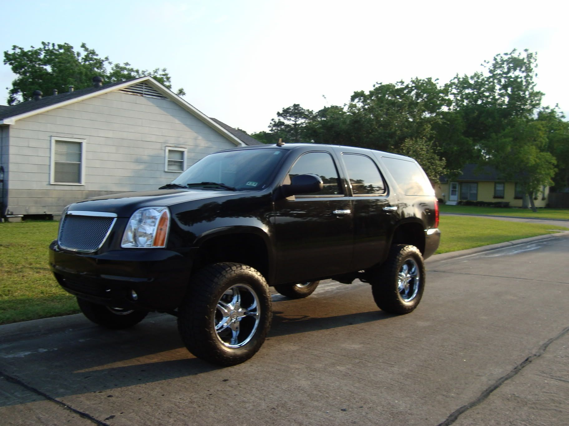Lifted Gmc Yukon Finally Decided On Daddys New Ride Sept Can T Come Any Sooner Gmc Yukon Gmc 2008 Gmc Yukon