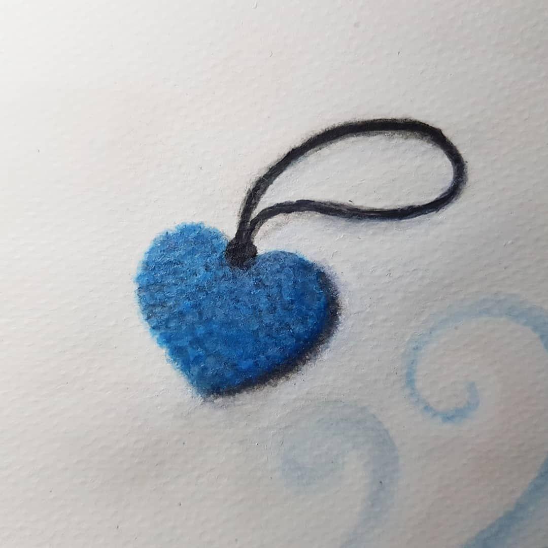رسمة تعليقة القلب بالكروشيه لون سماوي