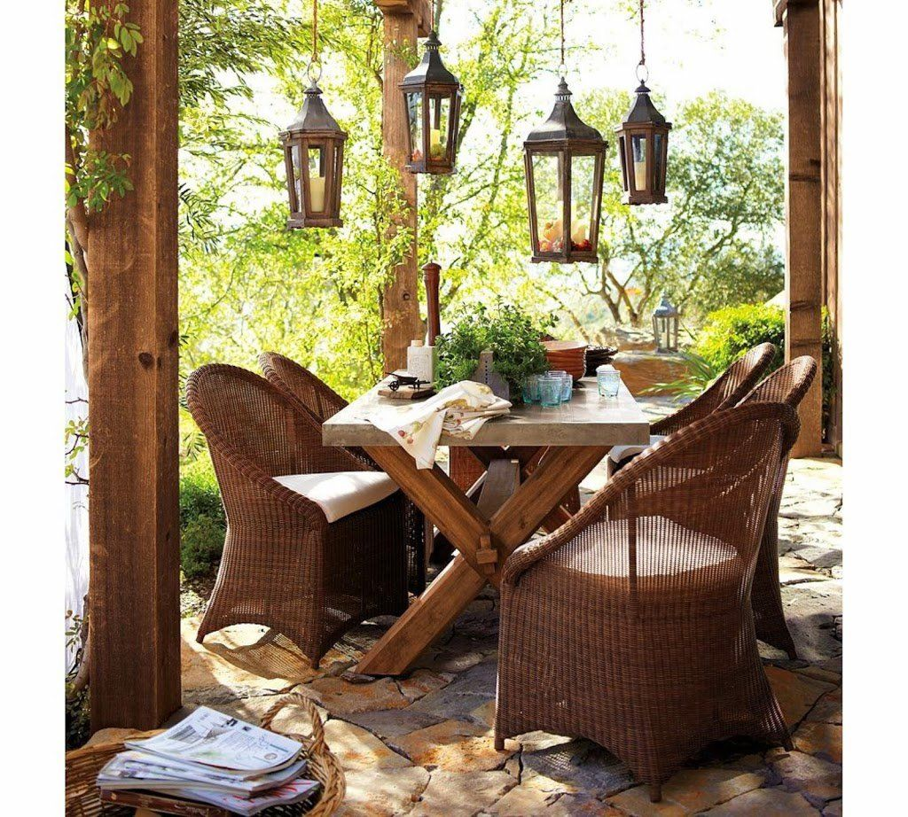 25 ideas de dise os r sticos para decorar el patio con for Muebles rey terrassa