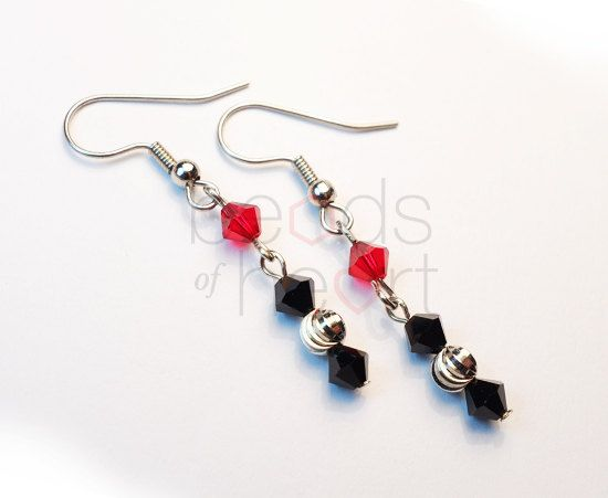 Lovely dangling earrings made with Swarovski Elements crystal.