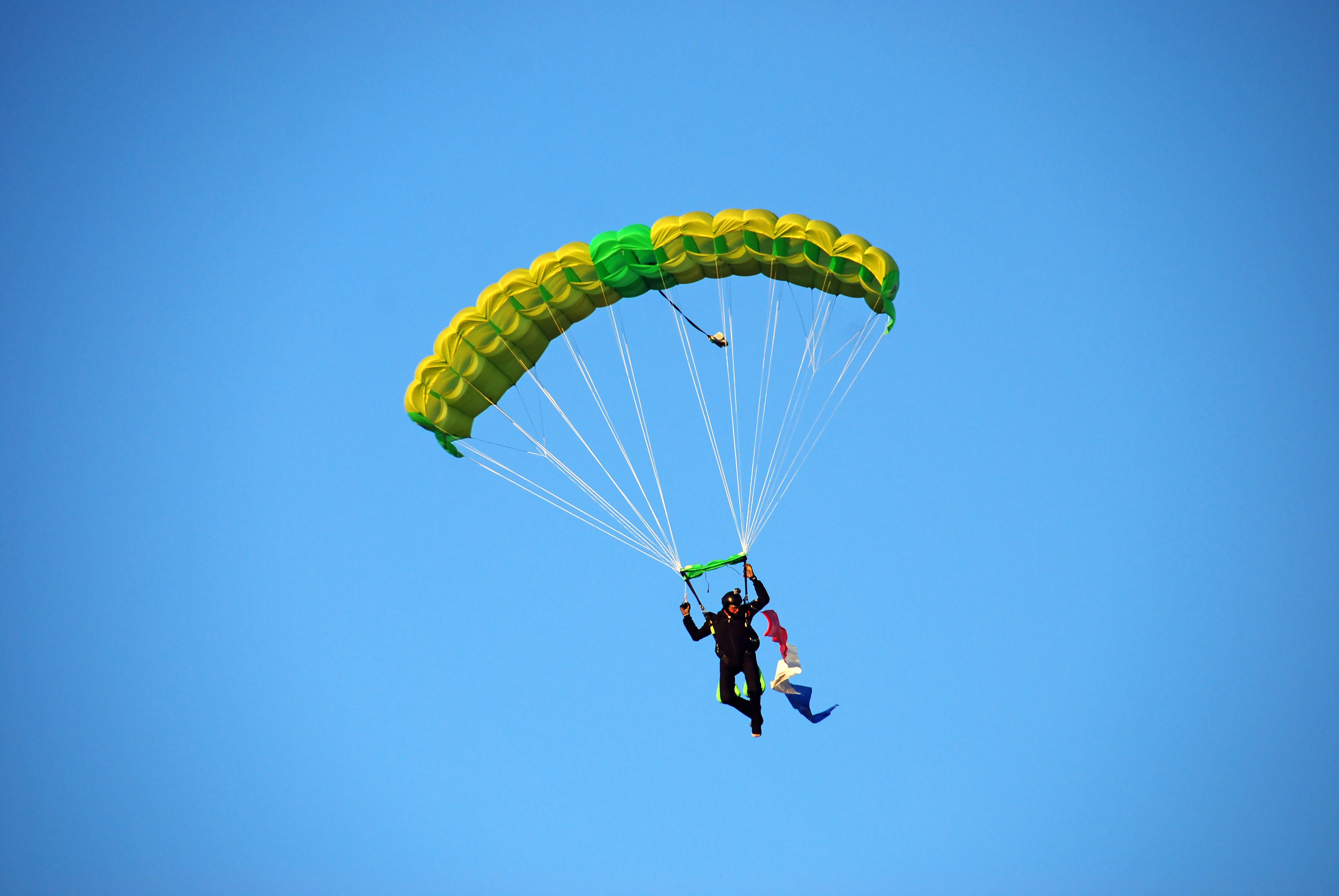 A Skydiver Told His Wife He Wasn T Going To Pull Parachute Cord She Arrived Moments Too Late