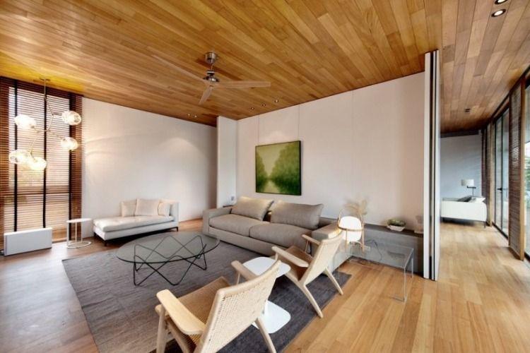 Lambris bois plafond associé au sol dans une maison design