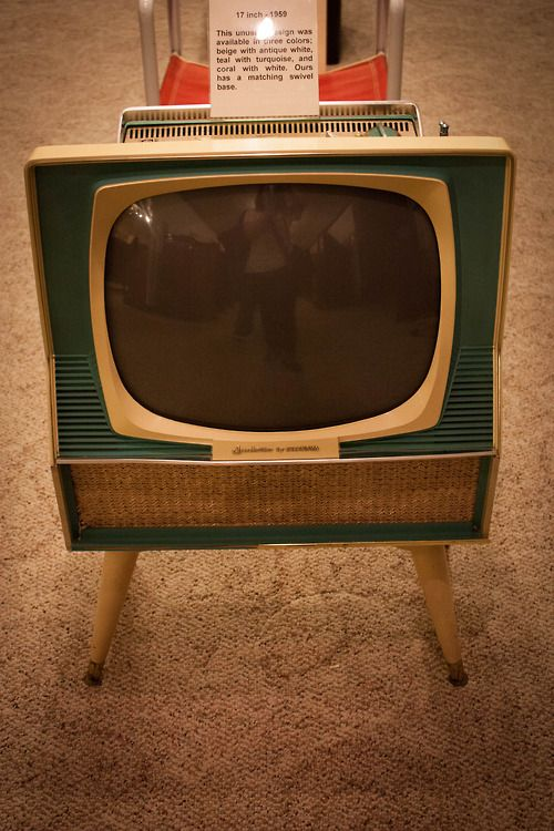 1959 17 inch Sylvania Dualette from the Vintage TV Museum ...