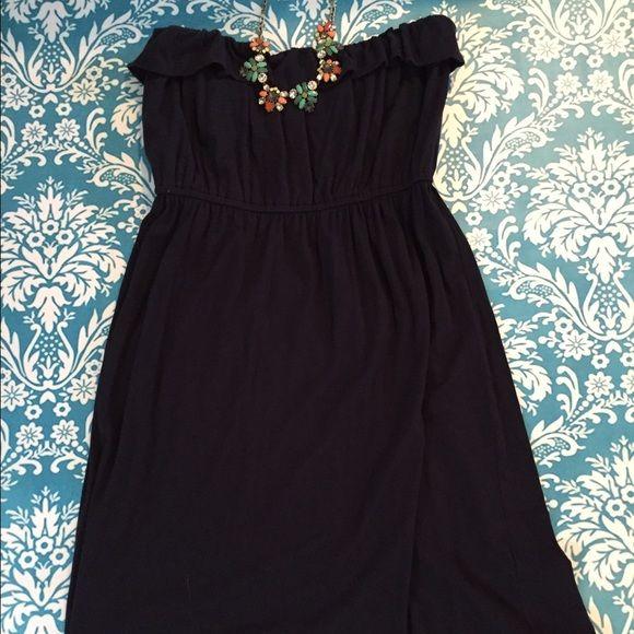 Cute casual strapless dress with ruffle top. Super flattering cotton J. Crew navy blue dress. J. Crew Dresses Strapless