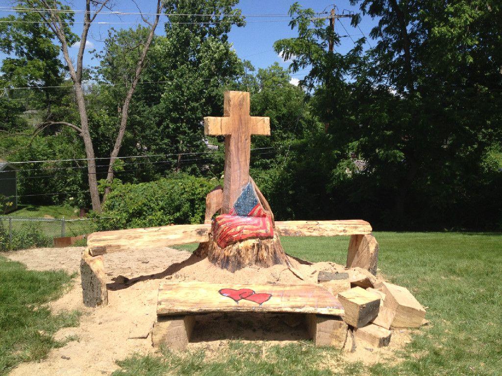 Cross memorial chainsaw carving rustic furniture