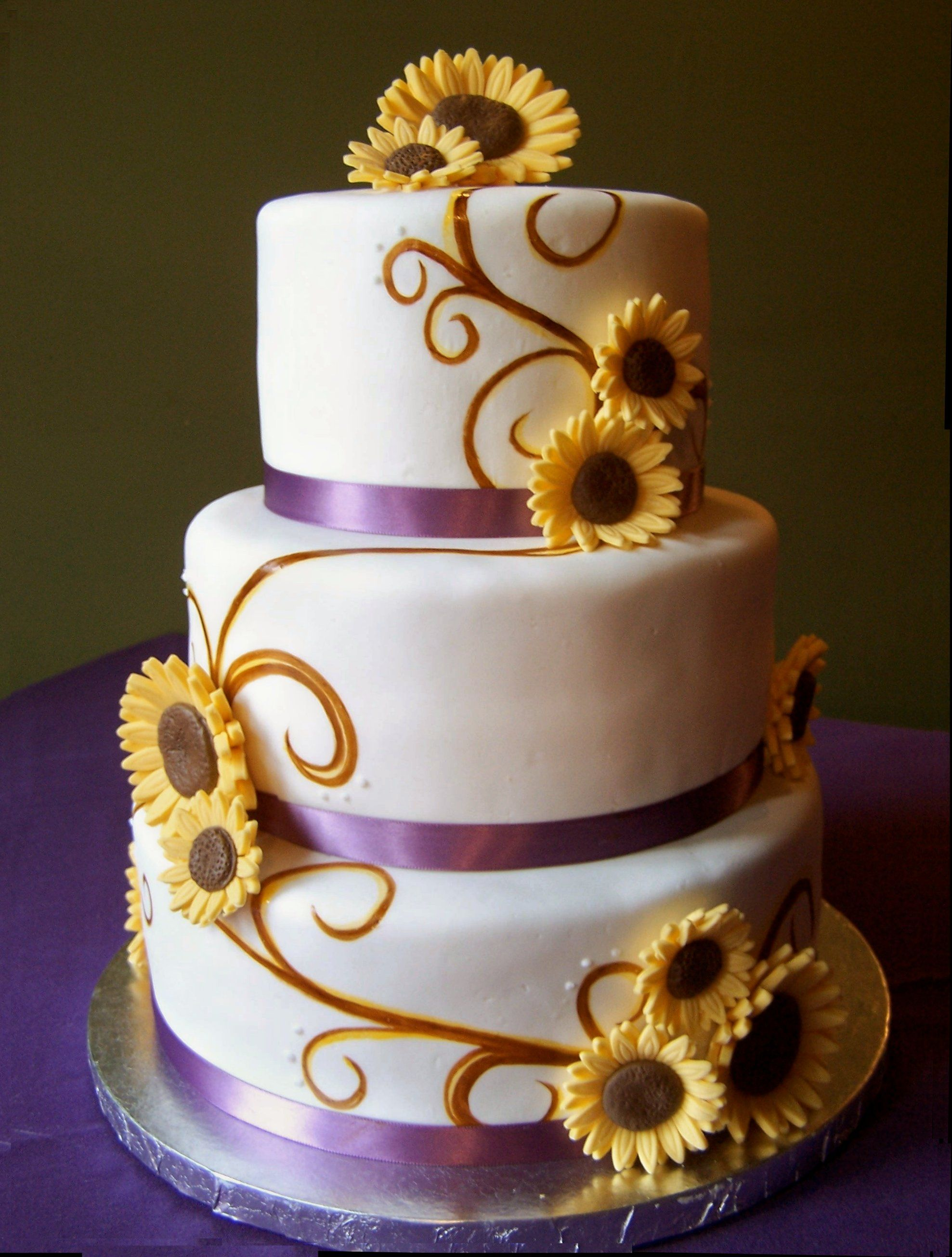 sunflower fall wedding cake sarah bowen painted fondant could also be nice fake wedding. Black Bedroom Furniture Sets. Home Design Ideas