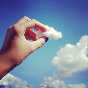 Algodão comparando com uma nuvem