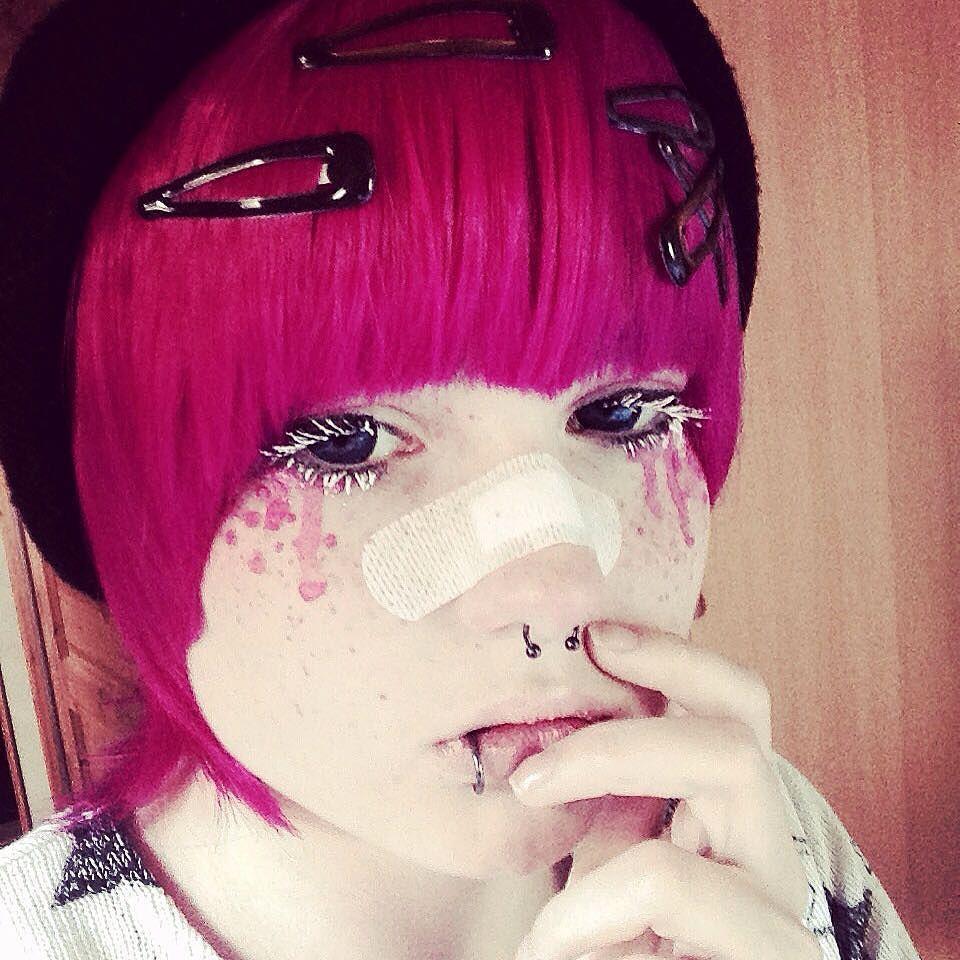 Pin by That Artzynerd on Makeup Pastel goth makeup