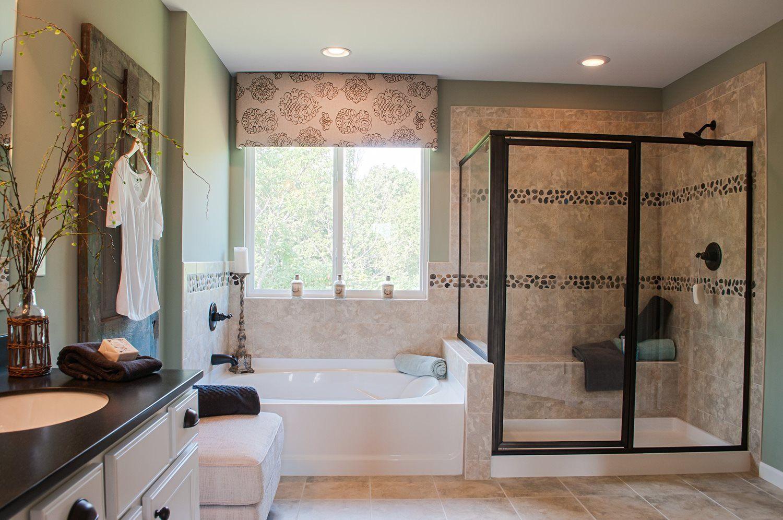 12129180 FOSTER (Spec) New homes, Bathroom decor
