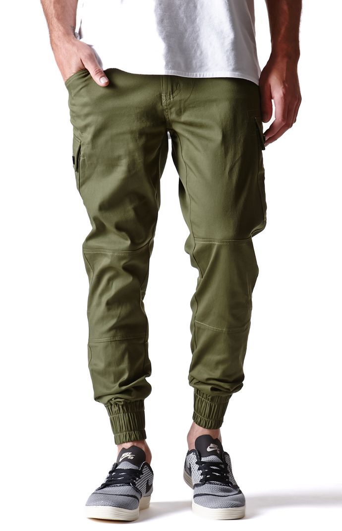 A PacSun.com Online Exclusive! New Standard comes with a new look pair of men's cargo jogger pants found at PacSun. The Jordan Cargo Jogger Pants come with a stretchy body, slant front pockets, and elastic cuffs