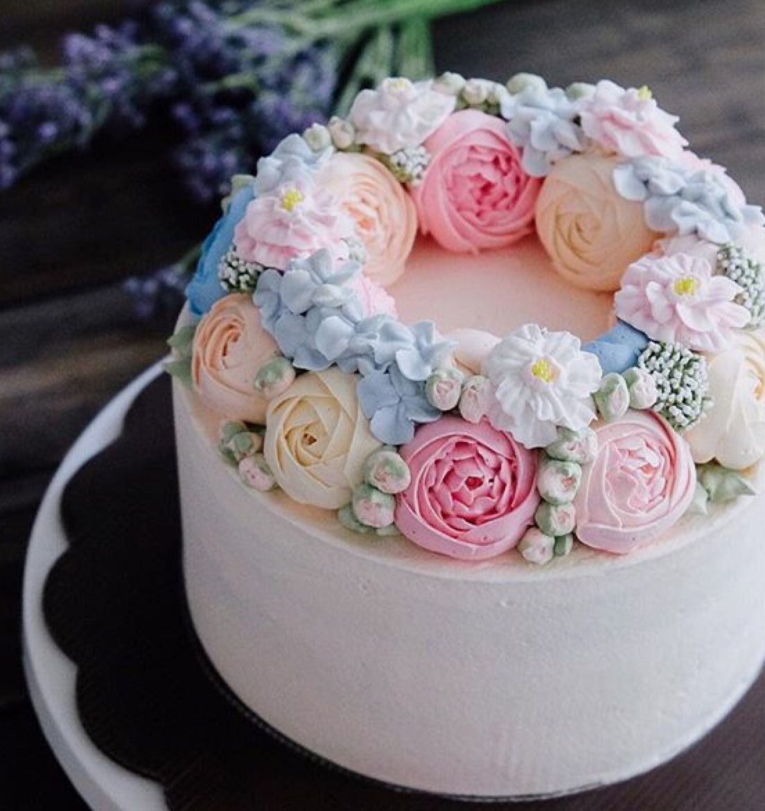 Pin By Eva Fabian On Decorated Cakes Cake