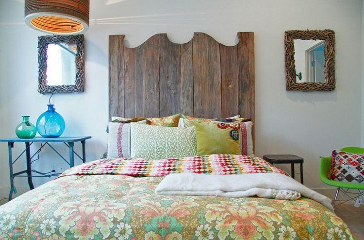 Schlafzimmer Deko einfallsreich Kopfbrett Holz zwei Spiegel - möbel hardeck schlafzimmer