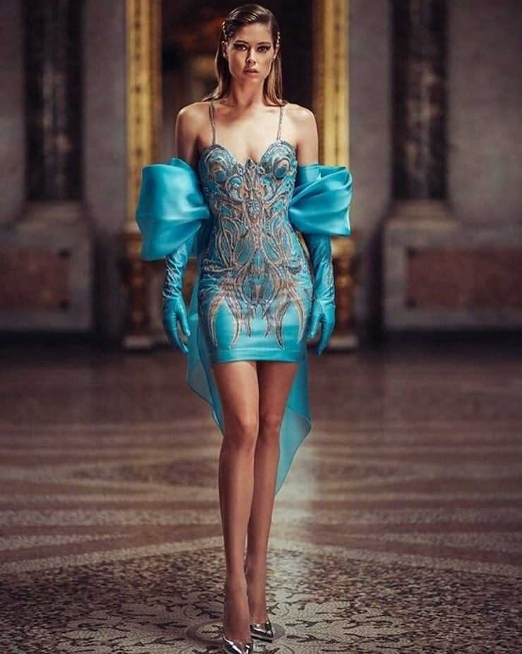 Doutzen Kroes   אופנה עיצוב in 2019   Atelier versace ...