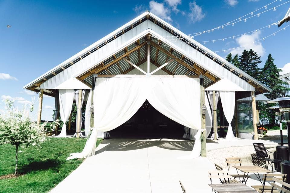 outdoor wedding venues minneapolis%0A Legacy Hill Farm  Wedding Ceremony  u     Reception Venue  Minnesota   Minneapolis  St