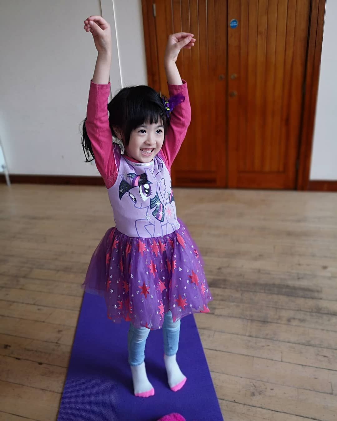 G Is For Giraffe Tadasana Variation In Giraffe Pose Our Little Yogis Start Off In Mountain Pose With Their Hands To Heart Centre Before Rising Up Onto