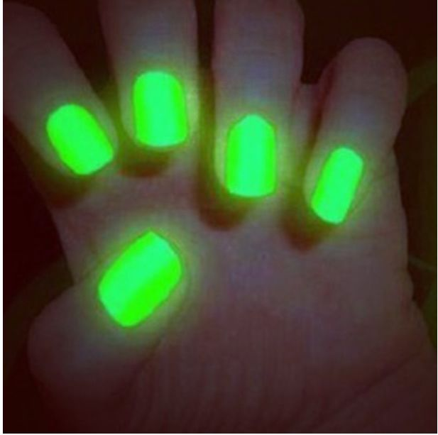 Glow in the dark nails | naIls | Pinterest