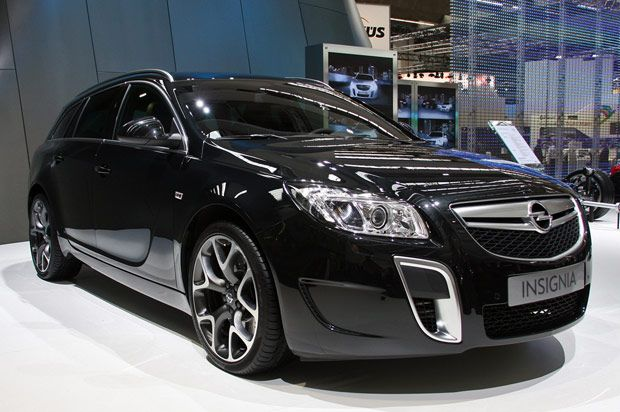 Opel Insignia Wagon Photos News Reviews Specs Car Listings Opel Vauxhall Wagon