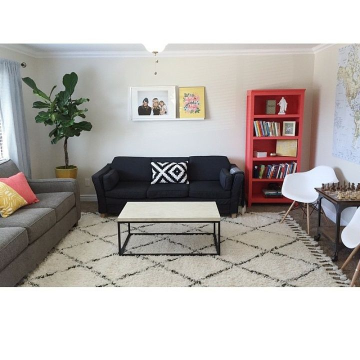 sweet cozy living room from @m_scope @instagram with rugs usa