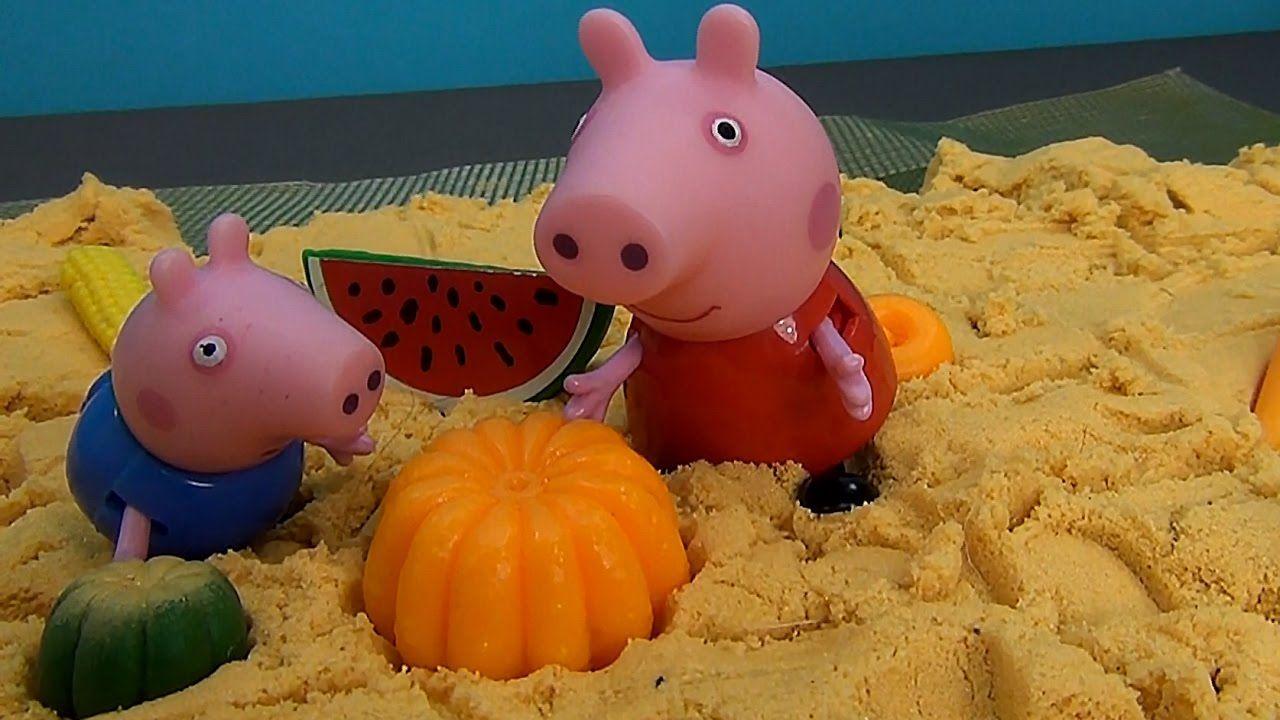 Peppa Pig en Español. Peppa, Papá Pig y George construyen un espantapája...