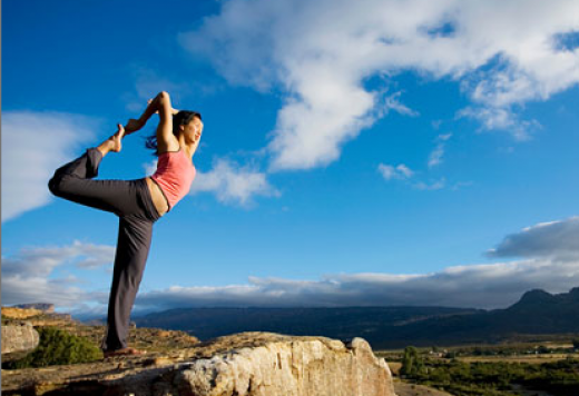10 tips on keeping up with your yoga practice while traveling!