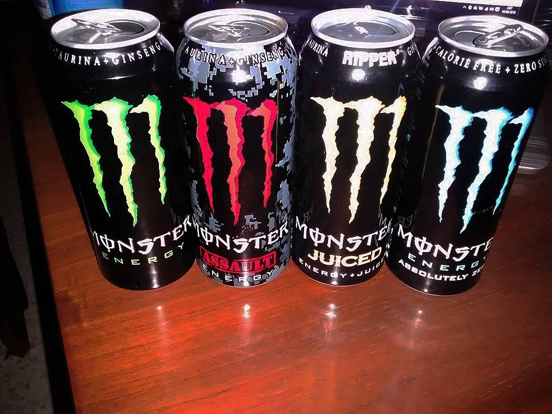 En #Instagram: Munición para aguantar la noche. . #lemans24 #race #monster #energy #drink #night http://ift.tt/1YzIqls