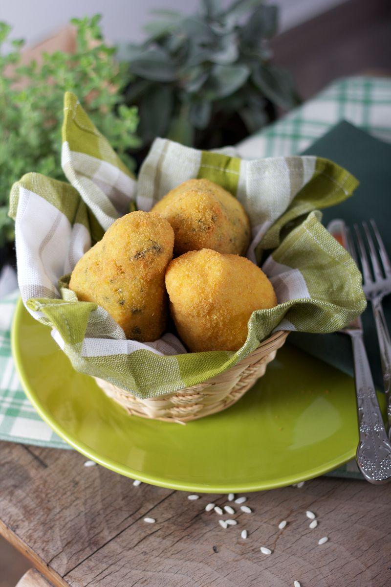Aranciotti (Fried rice croquettes)