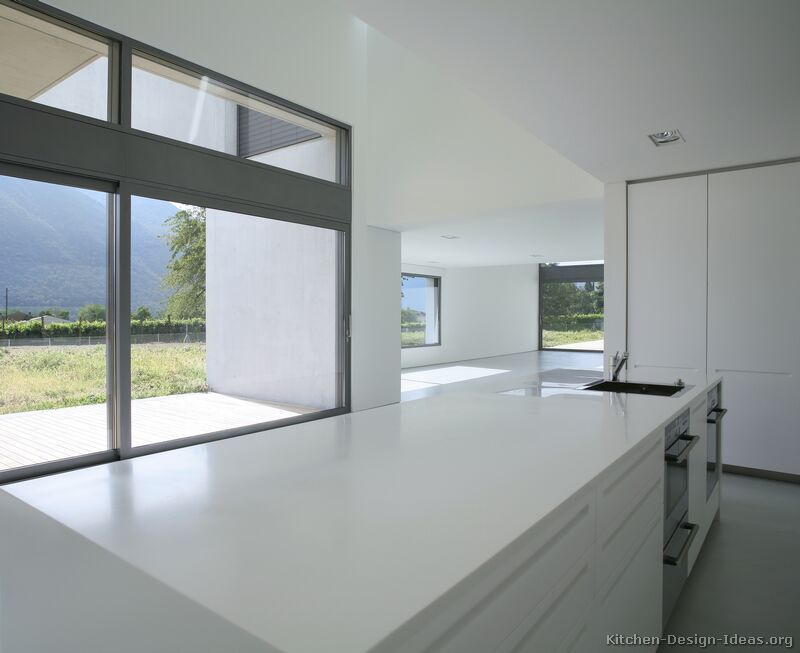 Kitchen Idea Of The Day Contemporary Minimalist Kitchen White Modern Kitchen Contemporary Kitchen Cabinets Contemporary Kitchen