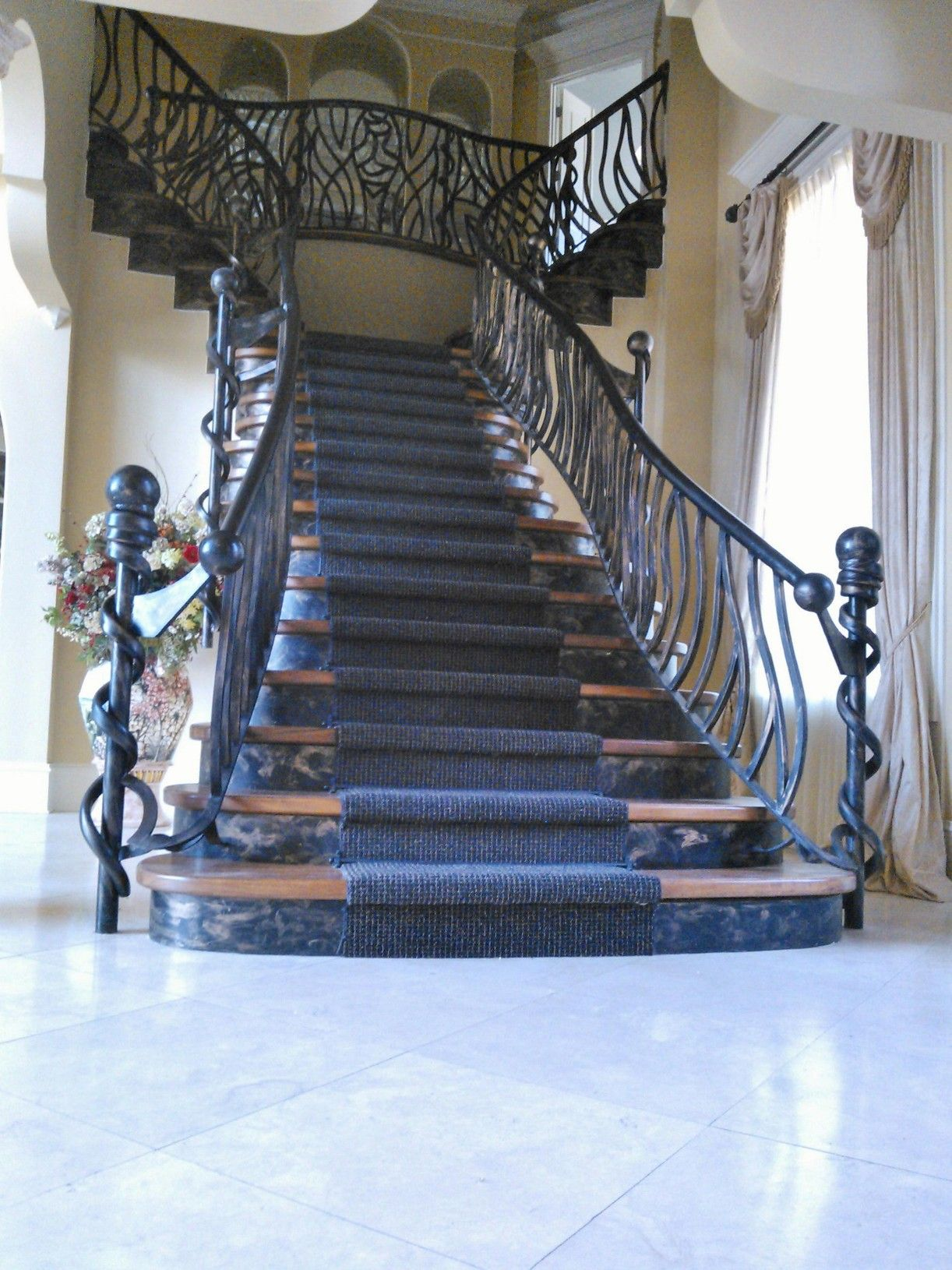 Best Home Luxury Staircase 400 x 300