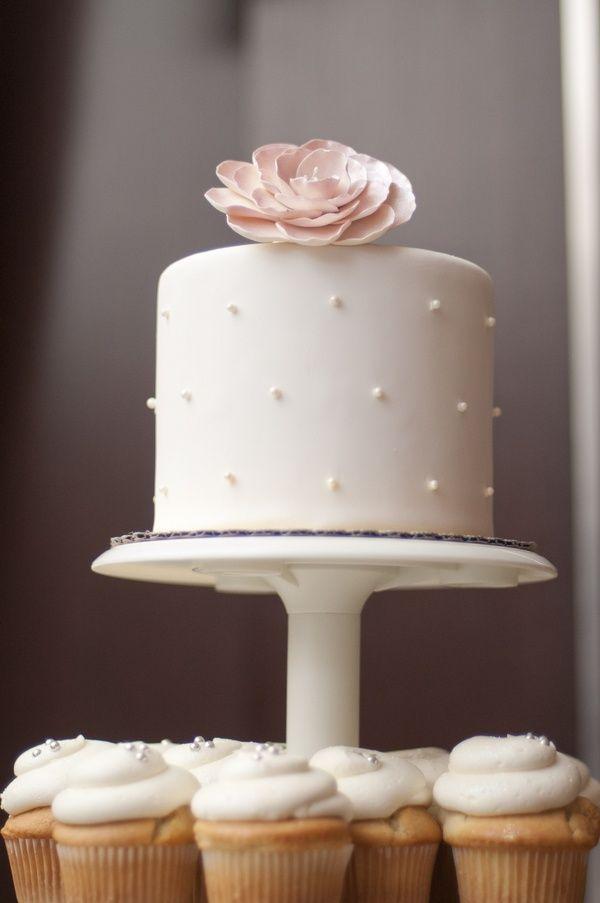 White Wedding Cake And Cupcakes Dessert Cupcakes Weddingcupcakes