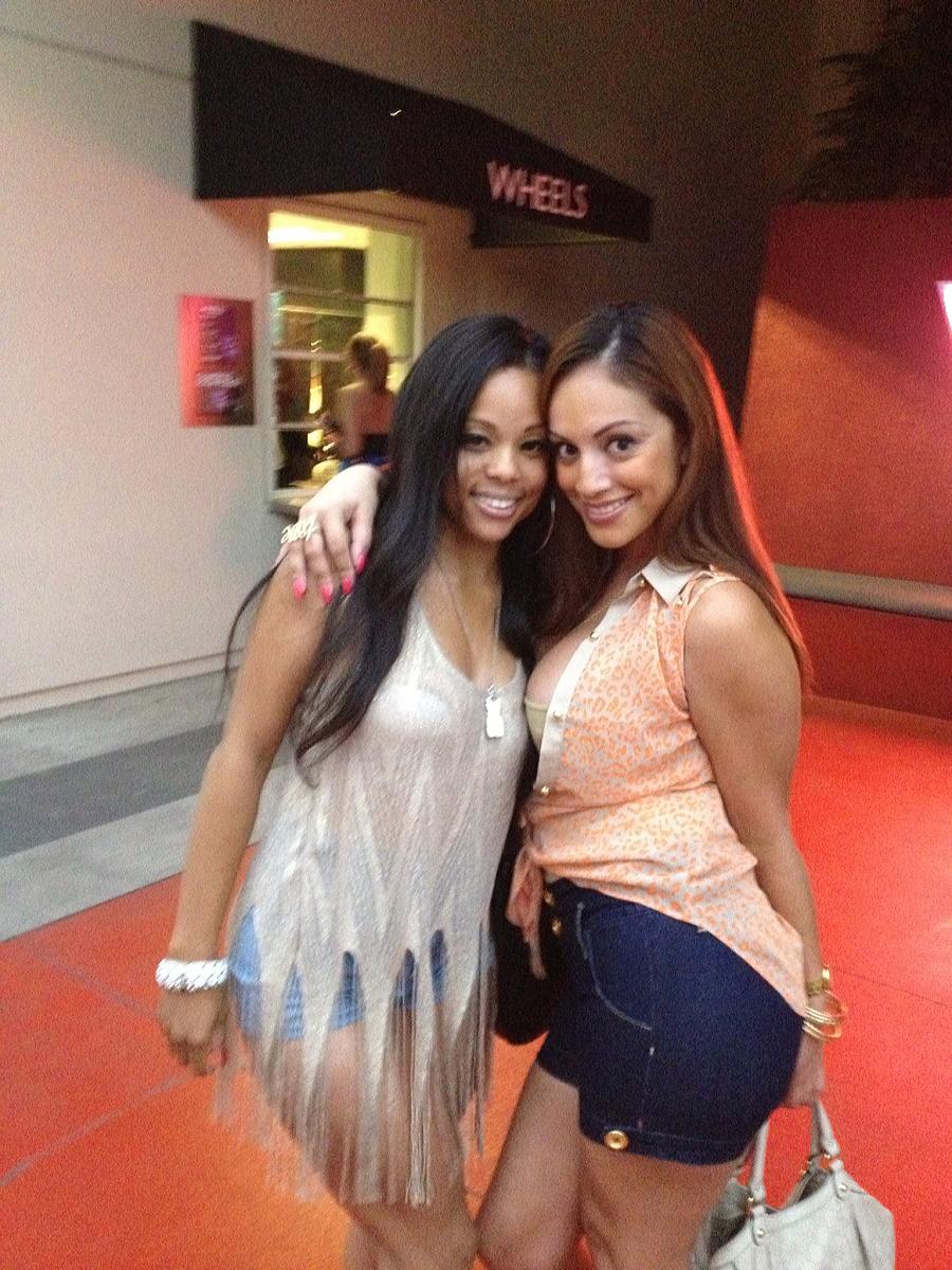 Ice La Fox Therealicelafox On Twitter Ice La Fox With Her Friend Courtney