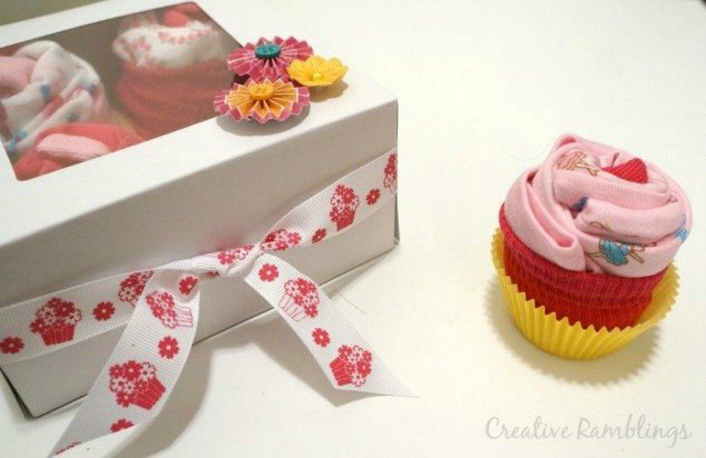 s 20 adorable baby gifts that will make people go oooh and ahhh, bedroom ideas, These onesie cupcakes that are so cute