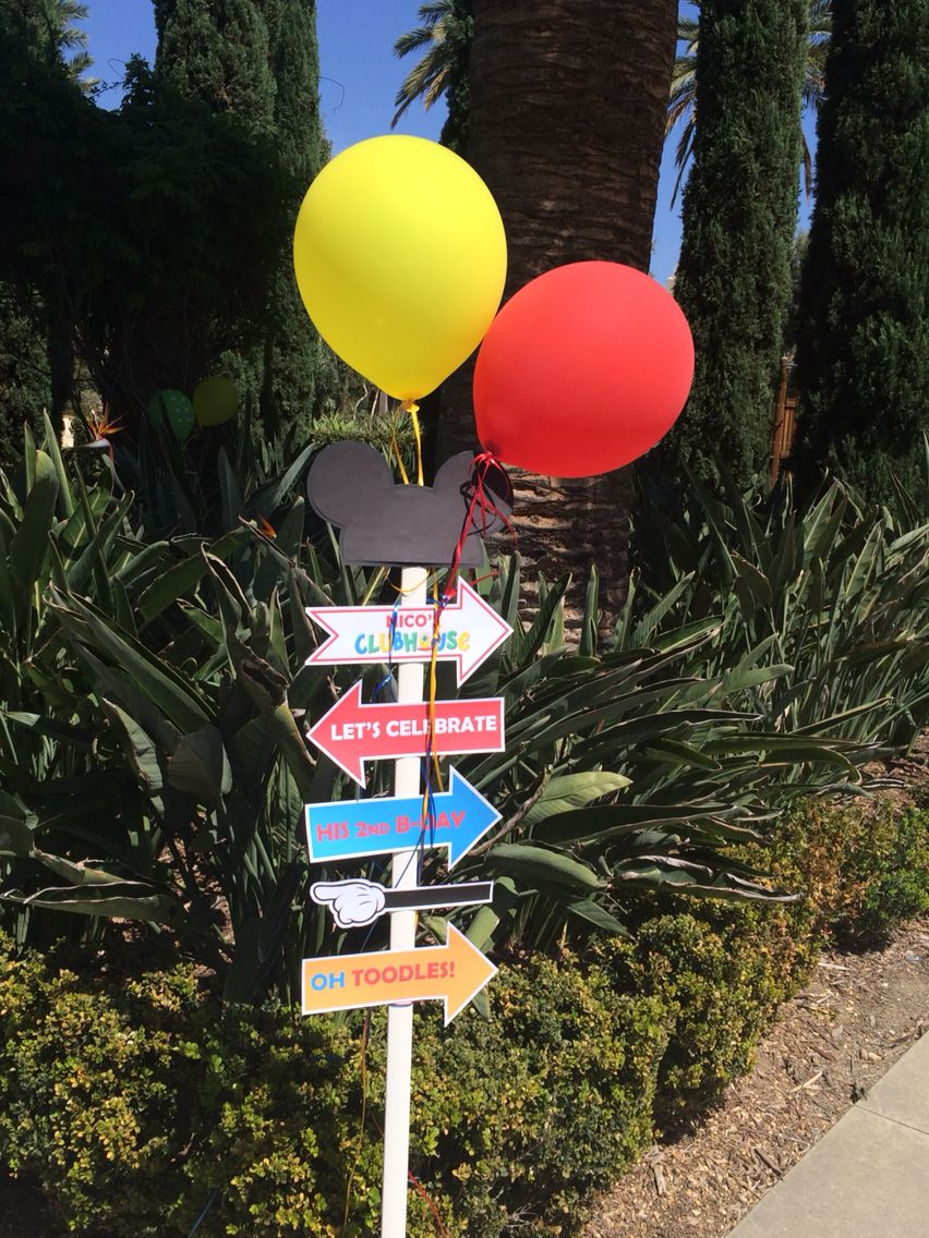 Mickey Mouse clubhouse birthday Party. Welcome sign