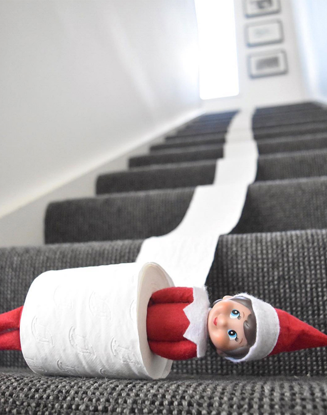 10 hysterical new Elf on the Shelf ideas