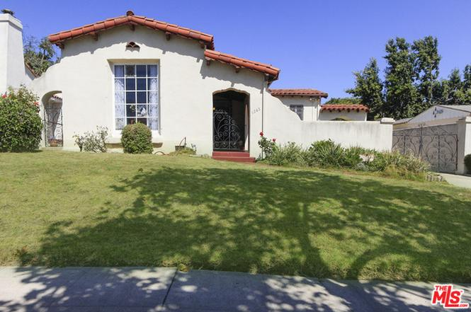 1242 S Curson Ave Los Angeles Ca 90019 3 Beds 2 5 Baths Spanish House Los Angeles Los Angeles Homes
