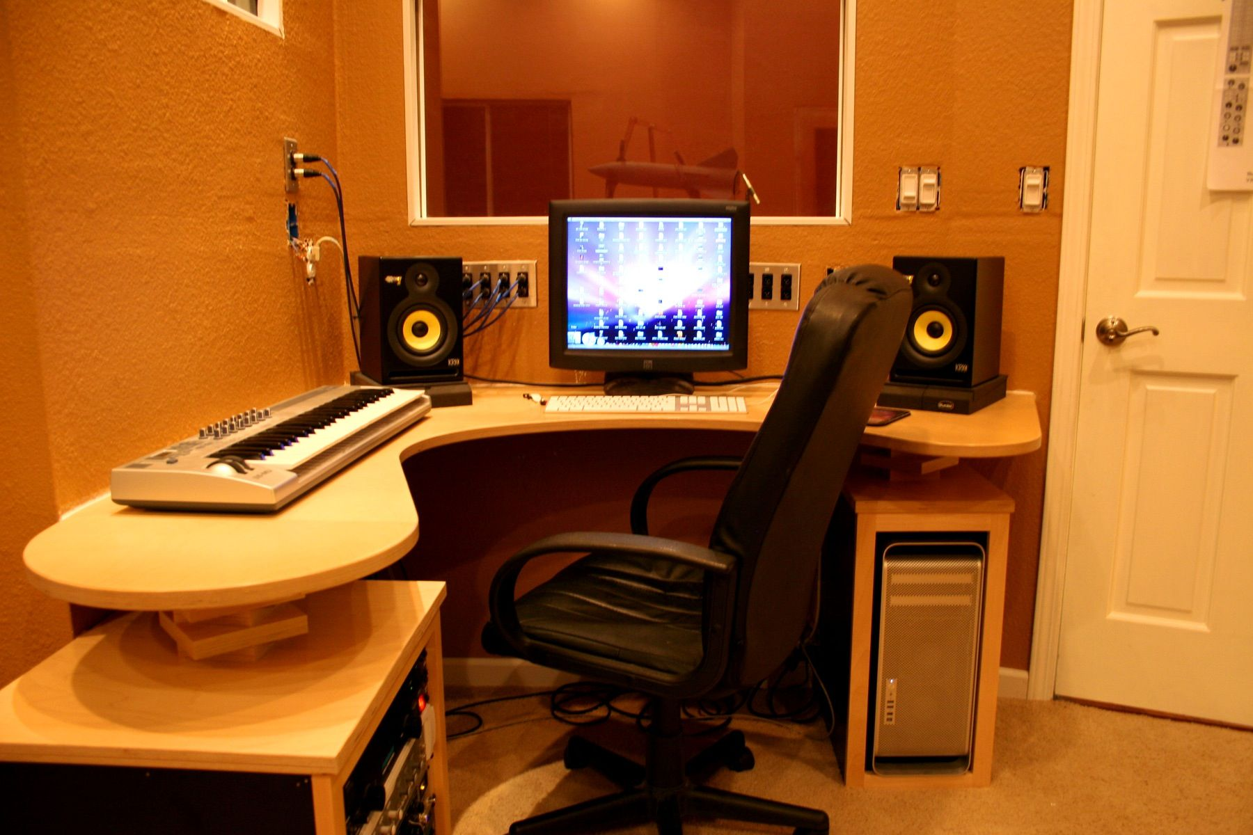 Best Images About Music Studio Rooms With Bedroom Desk Interalle Upstairs Home Studio Setup Recording Studio Design Recording Studio Desk