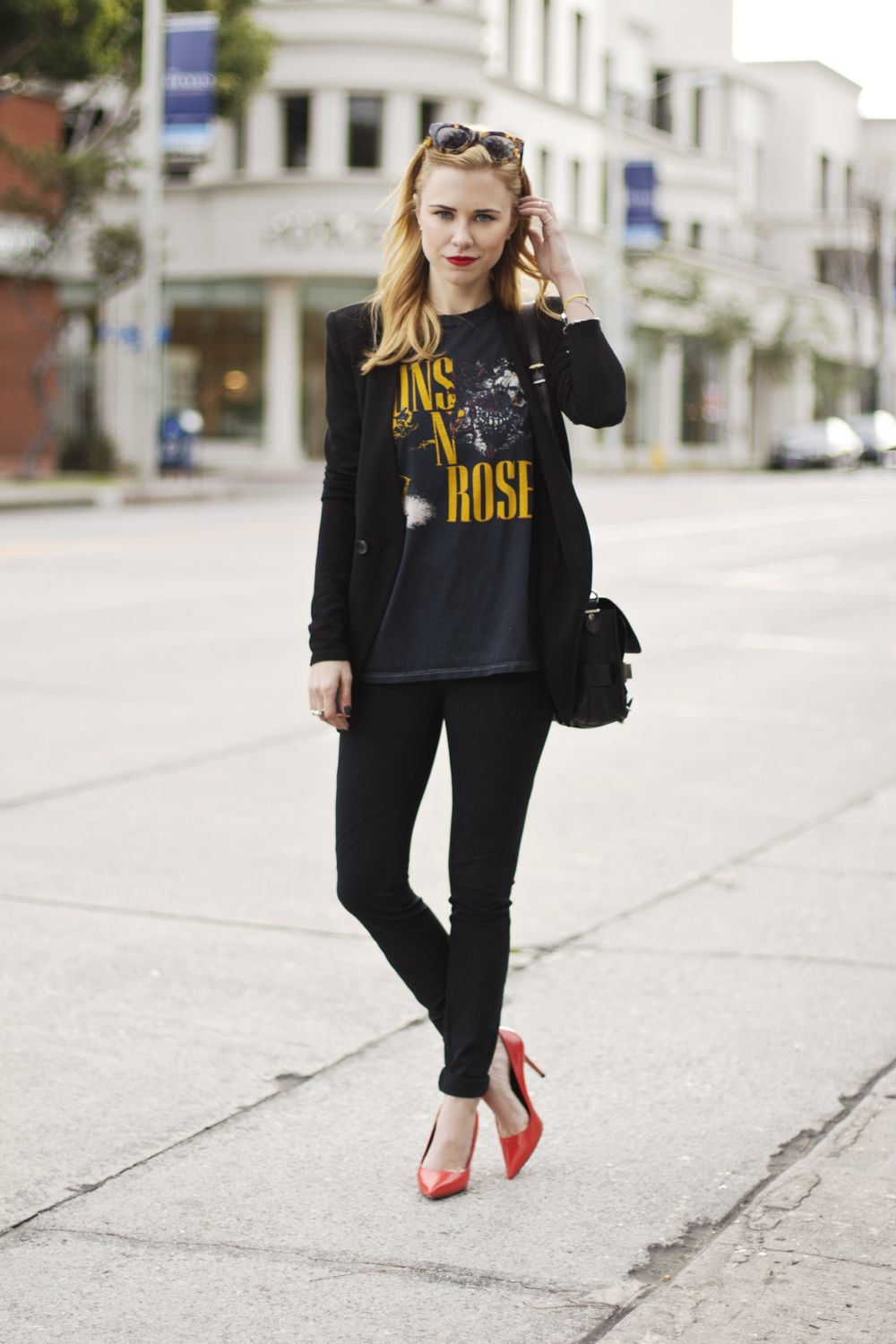 e485c044c161 Rock & Roll Here To Stay | lookbook. | Blazer with jeans, Band ...